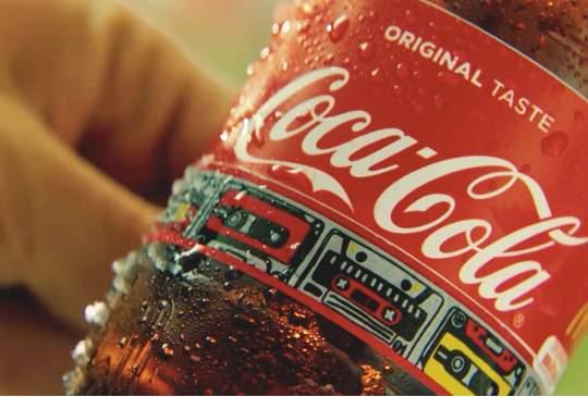 Coca-cola verrast weer met uniek verpakkingsdesign